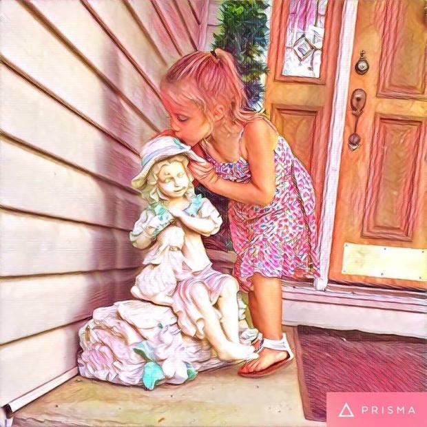 2016-kinslee-kissing-angel